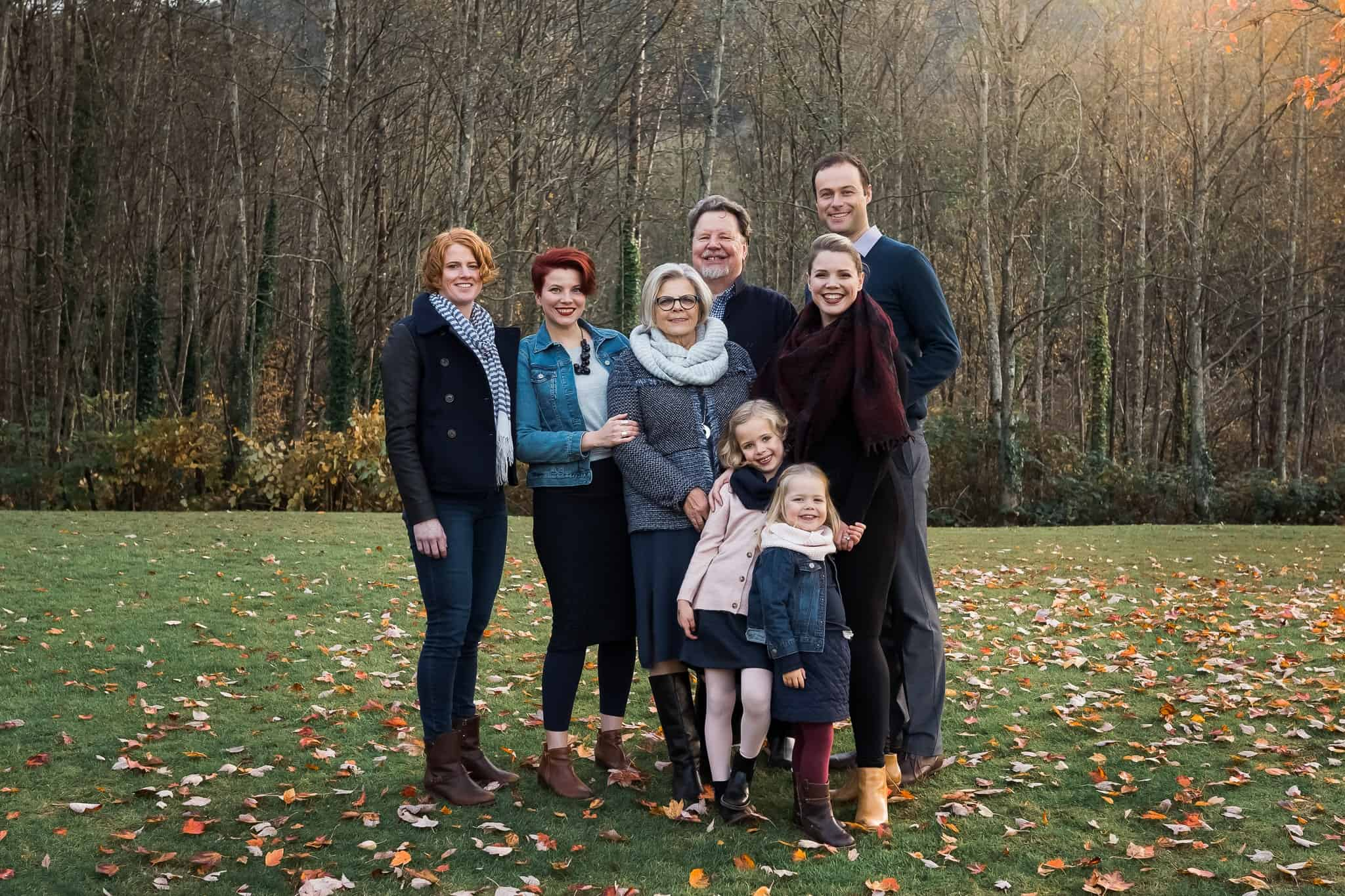 extended family photo in fall foliage