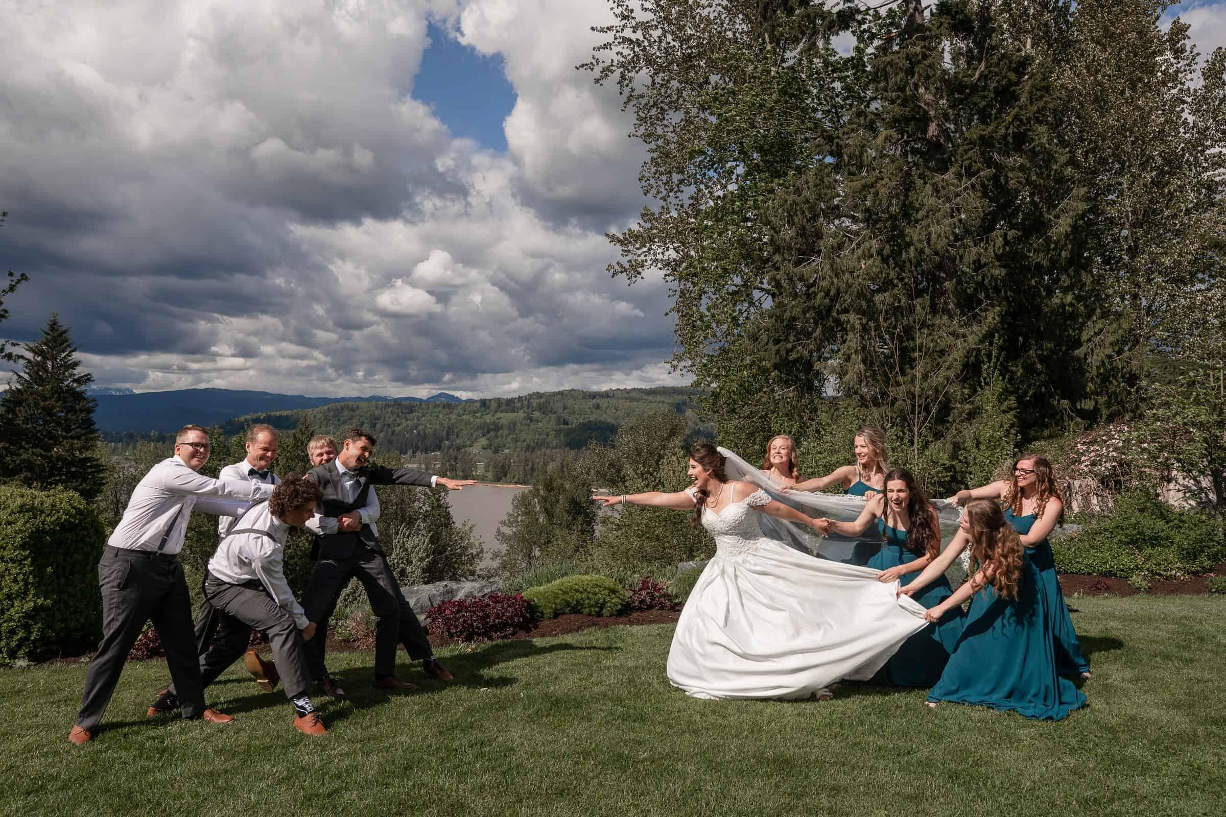 bridal party fun poses